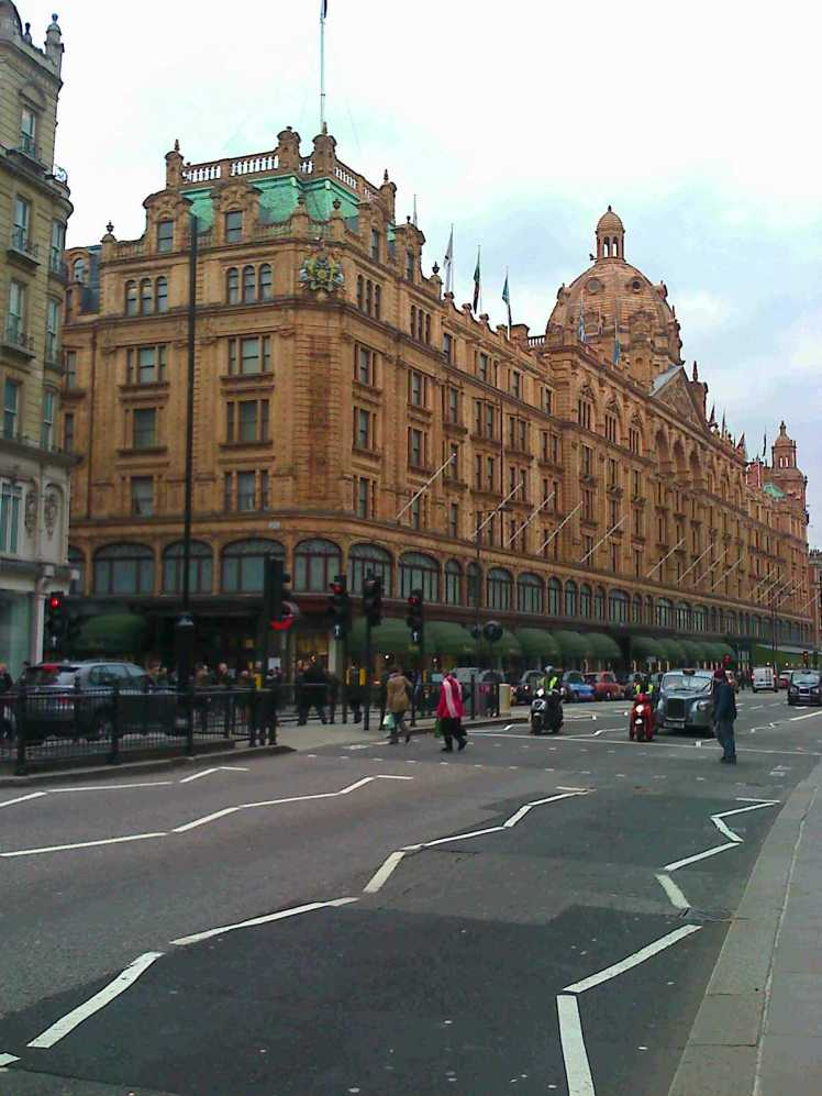 LONDON - HARROLD'S