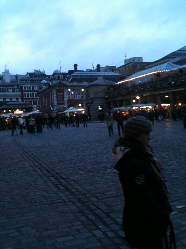 LONDON - COVENT GARDEN AT SUNSET
