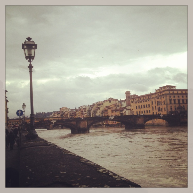 FLORENCE : THE RIVER ARNO IS ALMOST FULL OF WATER