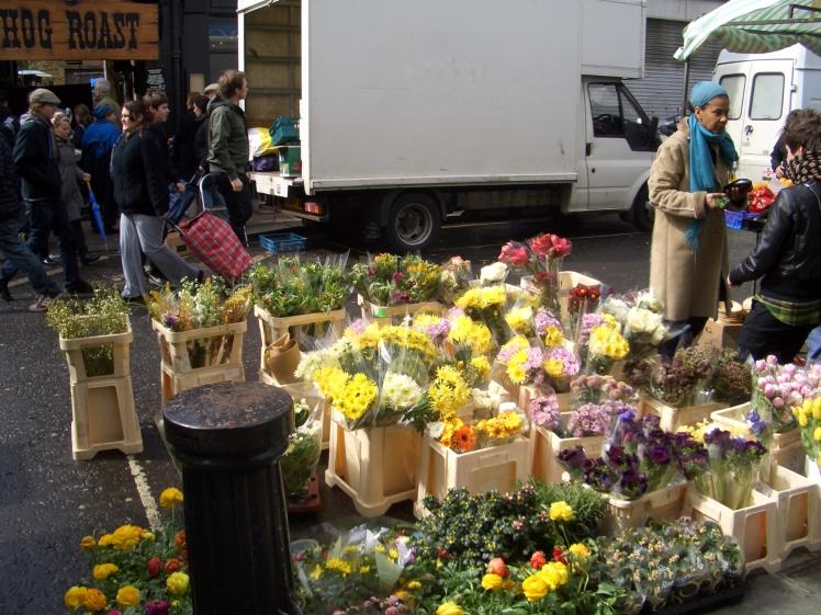 LONDON, Portobello'sflowers' stall