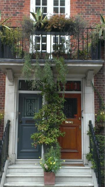 London door : Marylebone St.
