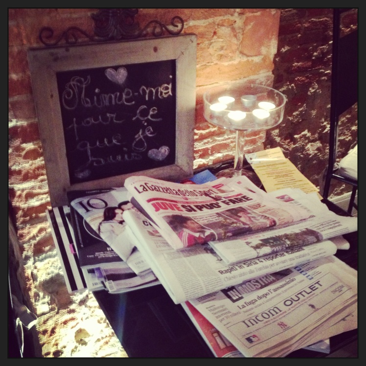 NEWSPAPERS&CANDLES BY DAMIER CAFE'