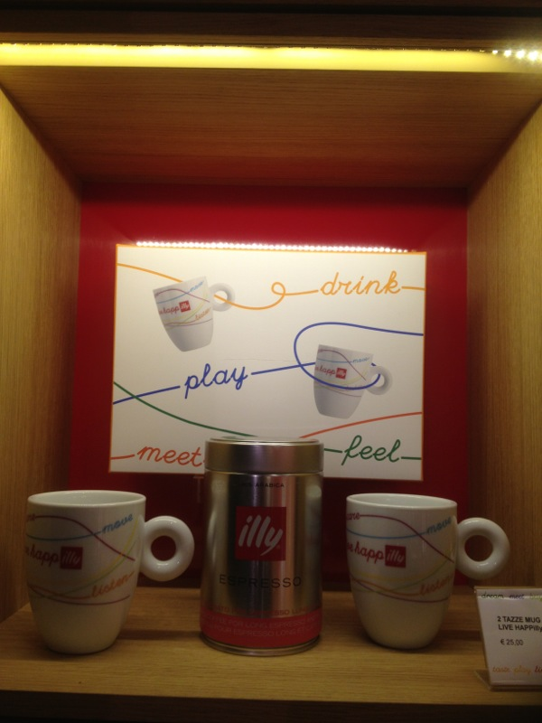 HAPP-ILLY CAFFE' ROMA : DRINK,PLAY,MEET,FEEL