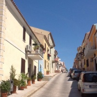 #Sardinia : Santa Teresa di Gallura as San Francisco up & down streets & multicolour houses