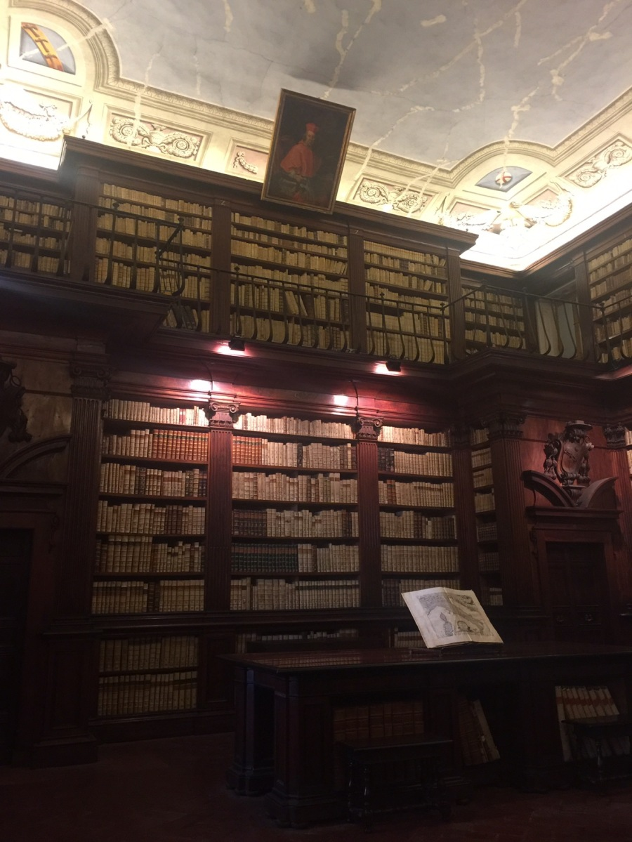 Pistoia : the old Fabroniana library since 1726